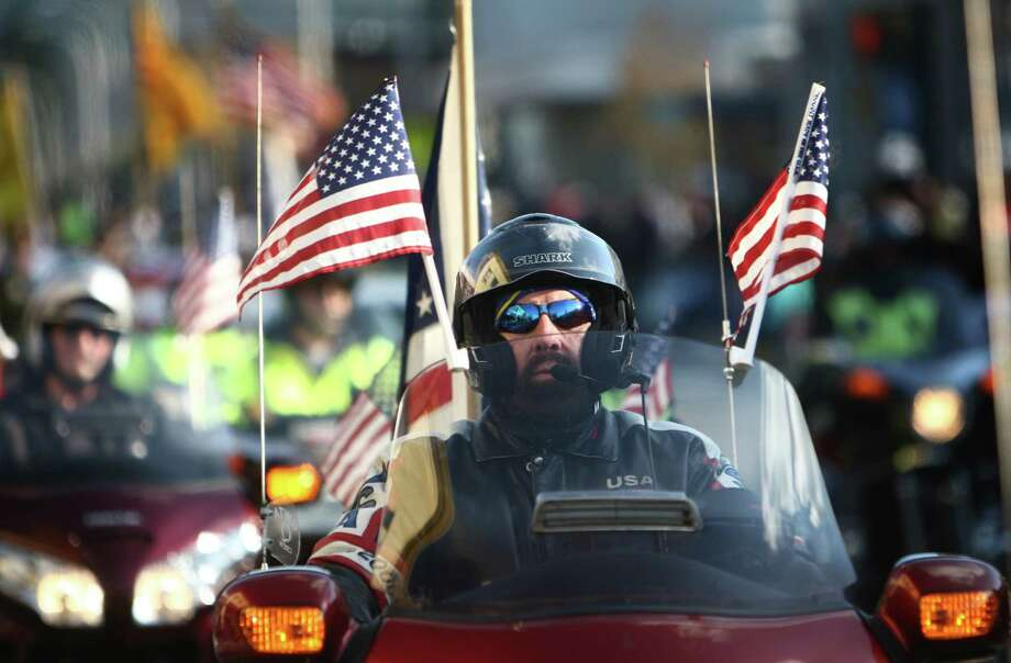 Motorcycle riders participate in the Auburn Veterans Day Parade. Photo: JOSHUA TRUJILLO / SEATTLEPI.COM