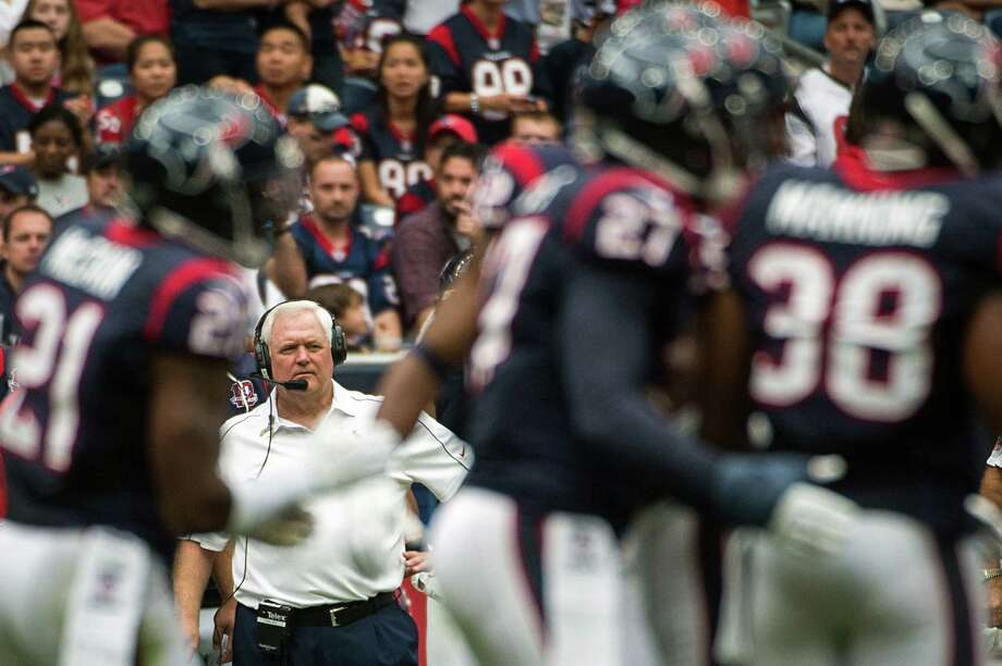 Defensive coordinator Wade Phillips expects a better showing than the previous matchup against an NFC North opponent, a 42-24 loss to the Packers. Photo: Smiley N. Pool, Staff / © 2012  Houston Chronicle
