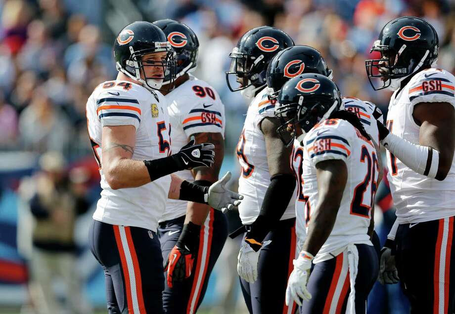 Bears linebacker Brian Urlacher has long been a leader of the defense, and he ranks this season's squad as one of the best in the franchise's storied history. Photo: Joe Howell, FRE / FR14085 AP