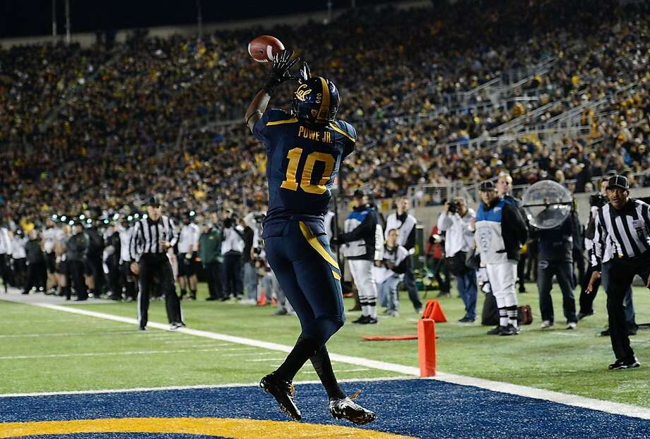 BERKELEY, CA - NOVEMBER 10:  Darius Powe #10 of the California Golden Bears catches a ten-yard touchdown pass against the Oregon Ducks in the first quarter of an NCAA College football game at California Memorial Stadium on November 10, 2012 in Berkeley, California.  (Photo by Thearon W. Henderson/Getty Images) Photo: Thearon W. Henderson, Getty Images