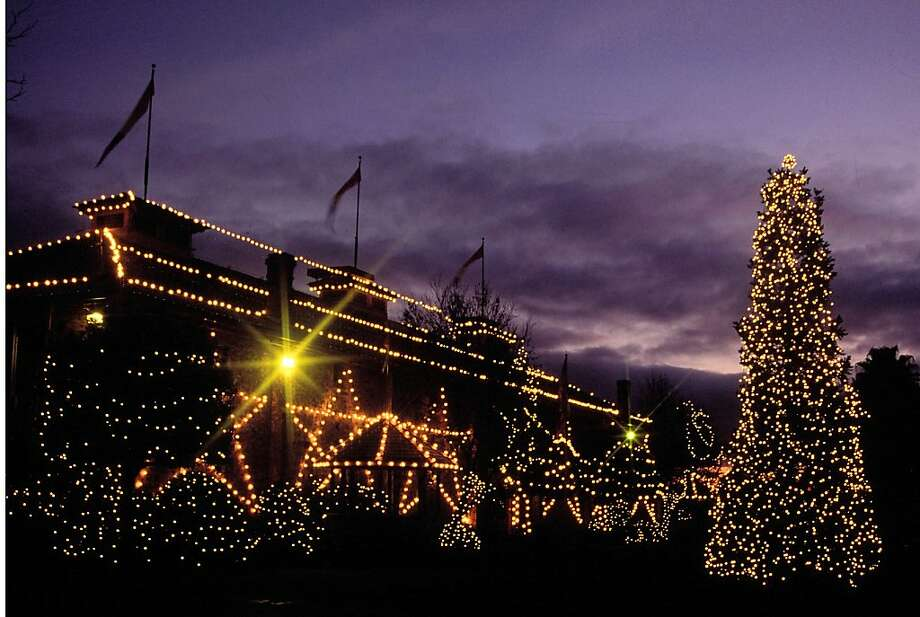 Yountville's Annual Festival of Lights, a tree-lighting ceremony, includes live entertainment, carolers, horse-drawn carriages and a visit from Santa Claus. Photo: Yountville Chamber Of Commerce