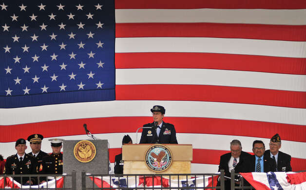 Air Force Brigadadier General Theresa Carter speaks during the Veterens Day Ceremony at Ft. sam Houston National Cemetery Sunday morning. Photo: Robin Jerstad/For The Express-Ne
