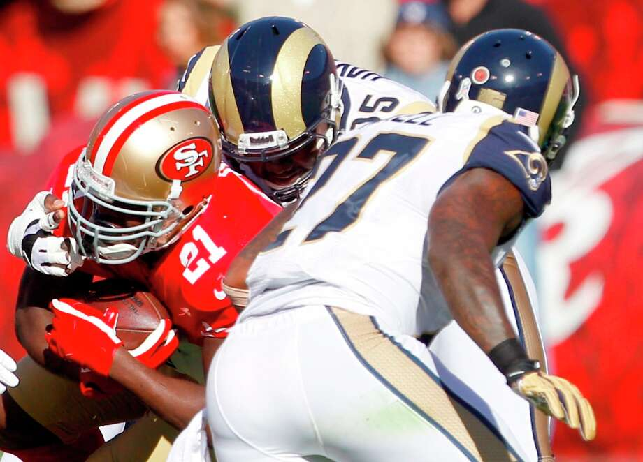 Running back Frank Gore (21) during the first quarter of the San Francisco 49ers game against the St. Louis Rams at Candlestick Park in San Francisco, Calif., on Sunday November 11, 2012. Photo: Carlos Avila Gonzalez, The Chronicle / ONLINE_YES
