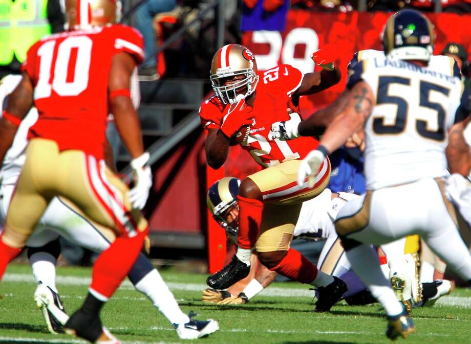Running back Frank Gore (21) during the first half of the San Francisco 49ers game against the St. Louis Rams at Candlestick Park in San Francisco, Calif., on Sunday November 11, 2012. Photo: Carlos Avila Gonzalez, The Chronicle / ONLINE_YES