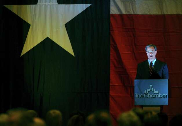 Texas speaker of the house Joe Straus speaks during a luncheon for the Great SA Chamber of Commerce at the Grand Hyatt on Thursday, Nov. 8, 2012. Photo: Billy Calzada, San Antonio Express-News / © 2012 San Antonio Express-News