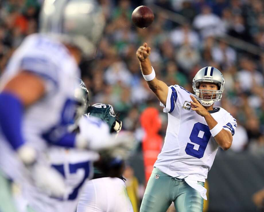 Tony Romo #9 of the Dallas Cowboys passes the ball in the first quarter against the Philadelphia Eagles on November 11, 2012 at Lincoln Financial Field in Philadelphia, Pennsylvania.  (Photo by Elsa/Getty Images) (Getty Images)