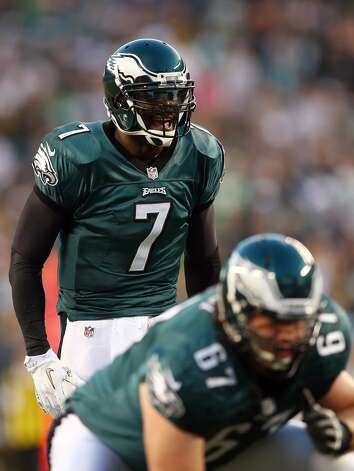 Michael Vick #7 of the Philadelphia Eagles calls out the play in the first quarter against the Dallas Cowboys on November 11, 2012 at Lincoln Financial Field in Philadelphia, Pennsylvania.  (Photo by Elsa/Getty Images) (Getty Images)