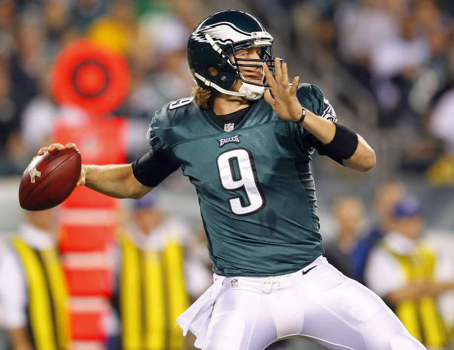 Quarterback Nick Foles #9 of the Philadelphia Eagles looks to make a pass against the Dallas Cowboys in the second quarter during a game at Lincoln Financial Field on November 11, 2012 in Philadelphia, Pennsylvania. (Photo by Rich Schultz /Getty Images) (Getty Images)