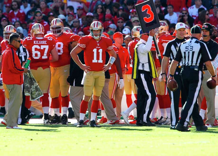 Quarterback Alex Smith (11) on the side lines after being sacked and suffering a concussion during the second quarter of the San Francisco 49ers game against the St. Louis Rams at Candlestick Park in San Francisco, Calif., on Sunday November 11, 2012. Photo: Brant Ward, The Chronicle / ONLINE_YES