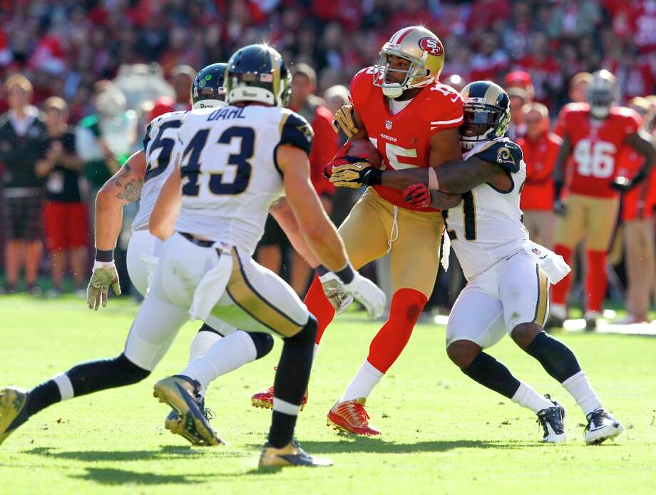 Wide receiver Michael Crabtree (15) with a catch in the second quarter of the San Francisco 49ers game against the St. Louis Rams at Candlestick Park in San Francisco, Calif., on Sunday November 11, 2012. Photo: Brant Ward, The Chronicle / ONLINE_YES