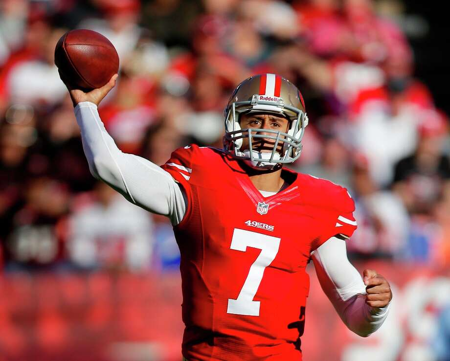 San Francisco 49ers quarterback Colin Kaepernick throws during the second quarter of an NFL football game against the St. Louis Rams in San Francisco, Sunday, Nov. 11, 2012. Photo: Marcio Jose Sanchez, Associated Press / AP