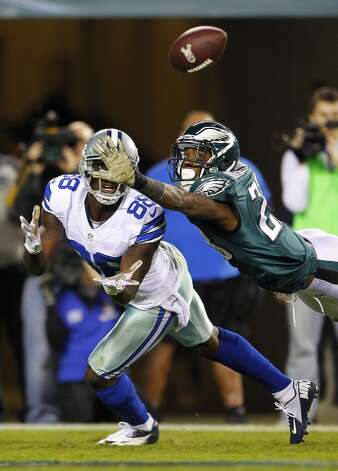 Wide receiver Dez Bryant #88 of the Dallas Cowboys keeps his eye on the ball as he makes a catch for a 30 yard touchdown as Dominique Rodgers-Cromartie #23 of the Philadelphia Eagles defends during the third quarter in a game at Lincoln Financial Field on November 11, 2012 in Philadelphia, Pennsylvania. The Cowboys defeated the Eagles 38-23. (Photo by Rich Schultz /Getty Images) (Getty Images)