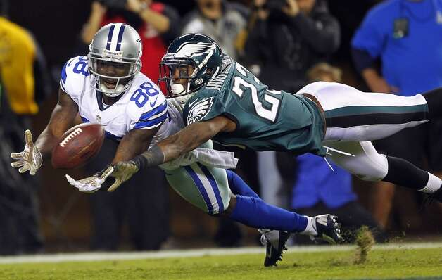 Wide receiver Dez Bryant #88 of the Dallas Cowboys dives to makes a catch for a 30 yard touchdown as Dominique Rodgers-Cromartie #23 of the Philadelphia Eagles defends during the third quarter in a game at Lincoln Financial Field on November 11, 2012 in Philadelphia, Pennsylvania. The Cowboys defeated the Eagles 38-23. (Photo by Rich Schultz /Getty Images) (Getty Images)