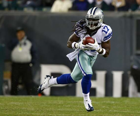 Dwayne Harris #17 of the Dallas Cowboys returns a punt for the game winning touchdown in the fourth quarter against the Philadelphia Eagles on November 11, 2012 at Lincoln Financial Field in Philadelphia, Pennsylvania.The Dallas Cowboys defeated the Philadelphia Eagles 38-23.  (Photo by Elsa/Getty Images) (Getty Images)