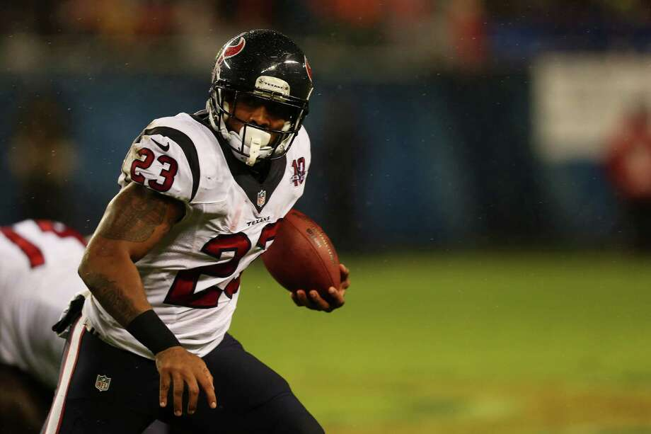 Running back Arian Foster #23 of the Houston Texans carries the ball in the first quarter against the Chicago Bears during the game at Soldier Field on November 11, 2012 in Chicago, Illinois. Photo: Jonathan Daniel, Getty Images / 2012 Getty Images
