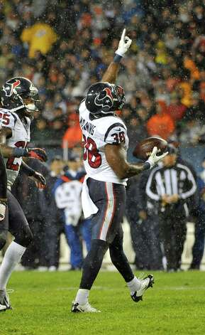 Danieal Manning #38 of the Houston Texans celebrates his interception against the Chicago Bears on November 11, 2012 at Soldier Field in Chicago, Illinois. Photo: David Banks, Getty Images / 2012 Getty Images