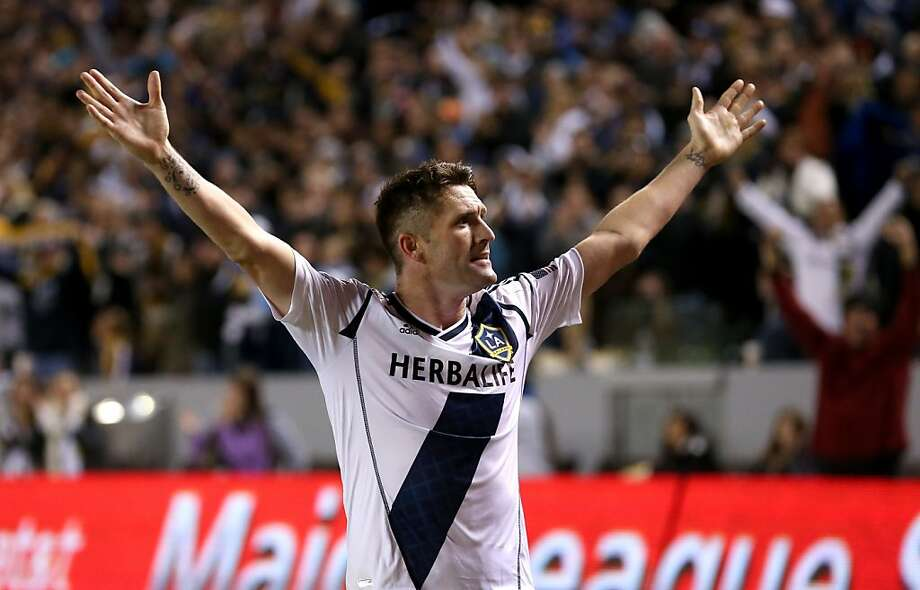 Robbie Keane scored two goals as the Los Angeles Galaxy moved into prime position for another MLS Cup appearance. Photo: Stephen Dunn, Getty Images