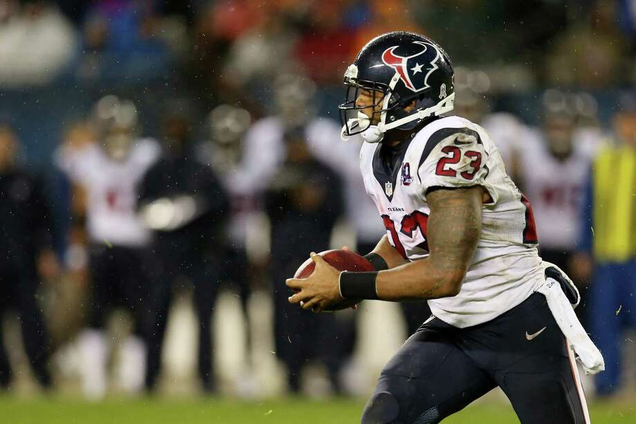 Running back Arian Foster #23 of the Houston Texans carries the ball against the Chicago Bears during the game at Soldier Field on November 11, 2012 in Chicago, Illinois. Photo: Jonathan Daniel, Getty Images / 2012 Getty Images