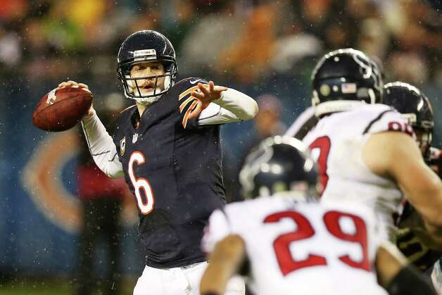 Quarterback Jay Cutler #6 of the Chicago Bears looks to pass against the Houston Texans during the game at Soldier Field on November 11, 2012 in Chicago, Illinois. Photo: Jonathan Daniel, Getty Images / 2012 Getty Images