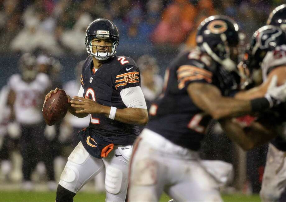 Chicago Bears quarterback Jason Campbell (2) looks for a receiver in the second half an NFL football game against the Houston Texans in Chicago, Sunday, Nov. 11, 2012. (AP Photo/Nam Y. Huh) Photo: Nam Y. Huh, Associated Press / AP