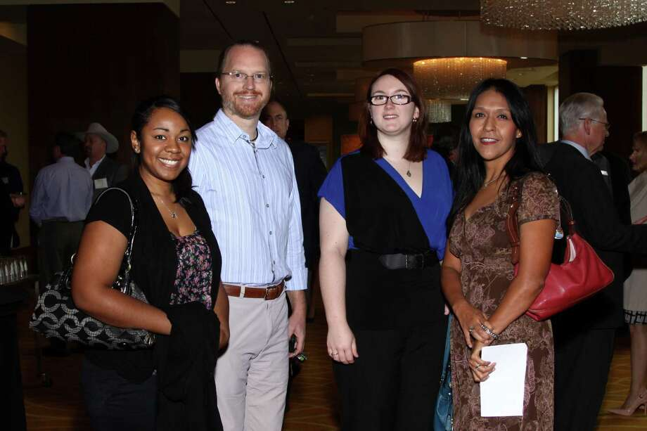 Phyllis Browning Company ranks 1st among midsized businesses  in San   