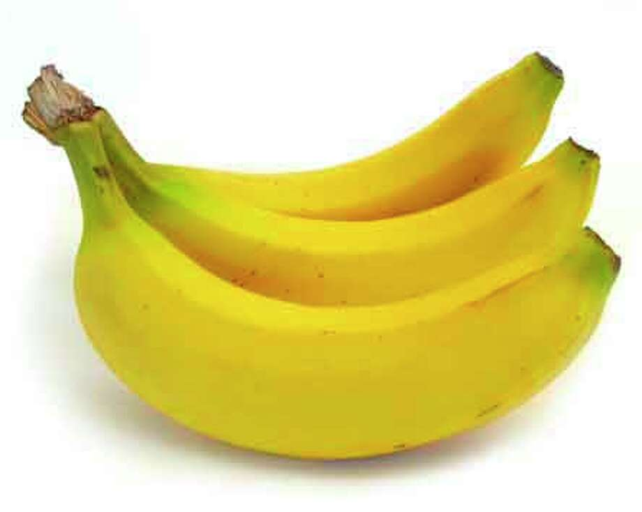 Eating a couple of bananas a day will boost your magnesium levels. Photo: Contributed Photo / Healthy Life