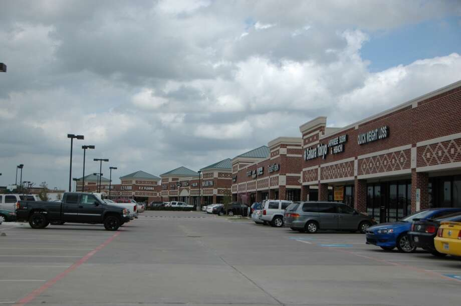 West Houston Retail has purchased Coles Crossing, 24110 Northwest Freeway, from Sayta. (Edge Realty Partners)