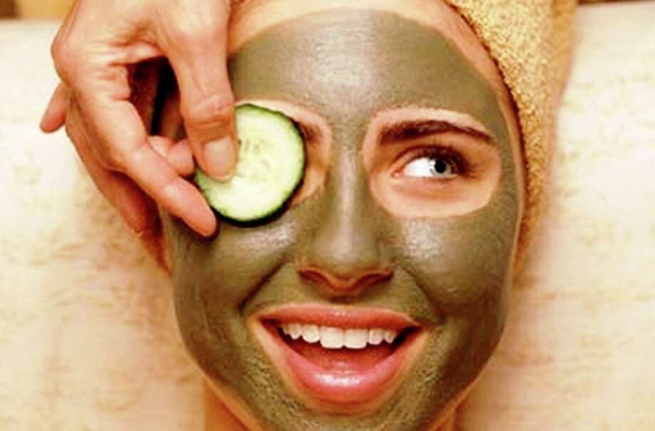 Gifts for Mom— She'll love a gift card this holiday season for a facial at Woodhouse Day Spa. Photo: Courtesy Photo