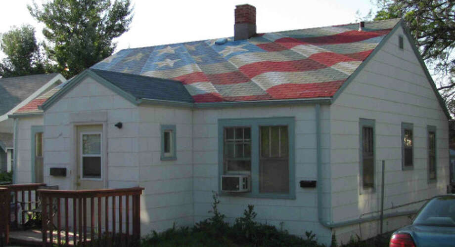 Painting the flag just on the roof (Melanie Hamlett)