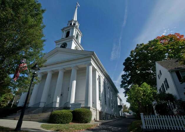 The First Congregational Church in New Milford. Photo: Scott Mullin, ST / The News-Times Freelance