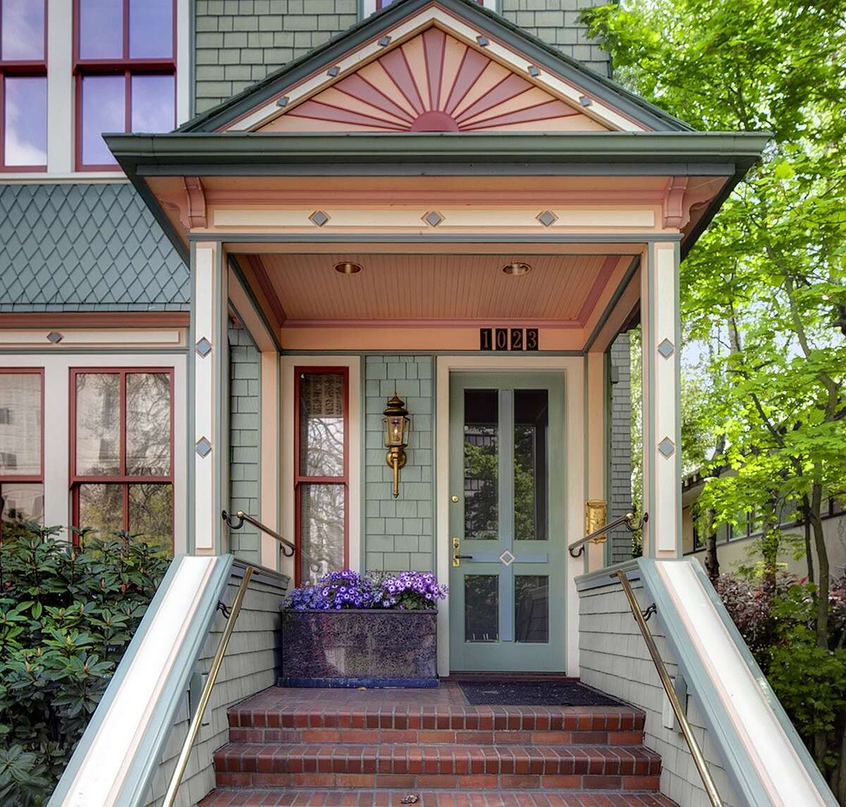 Front of 1023 Columbia St. The 3,800-square-foot Painted Lady, built in 1900, has four bedrooms, 2.5 bathrooms, a reception hall, offices, a library, three fireplaces, built-in shelves, wood paneling and a front porch on a 2,400-square-foot lot. It's listed for $2.68 million.