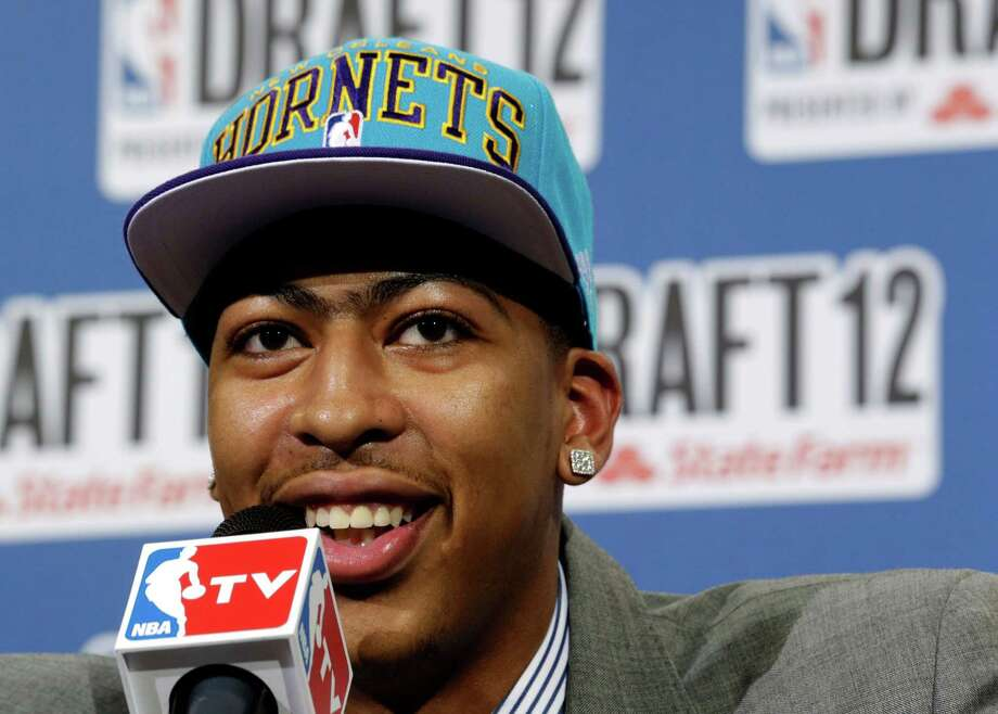 """""""Fear the Brow"""" and """"Raise the Brow""""The New Orleans Hornets rookie center Anthony Davis is hoping to capitalize on the most famous unibrow in sports. Photo: Julio Cortez, Associated Press / AP"""
