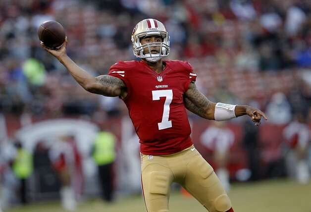 Colin Kaepernick showed running ability and arm strength in leading S.F. to 17 fourth-quarter points. Photo: Brant Ward, The Chronicle