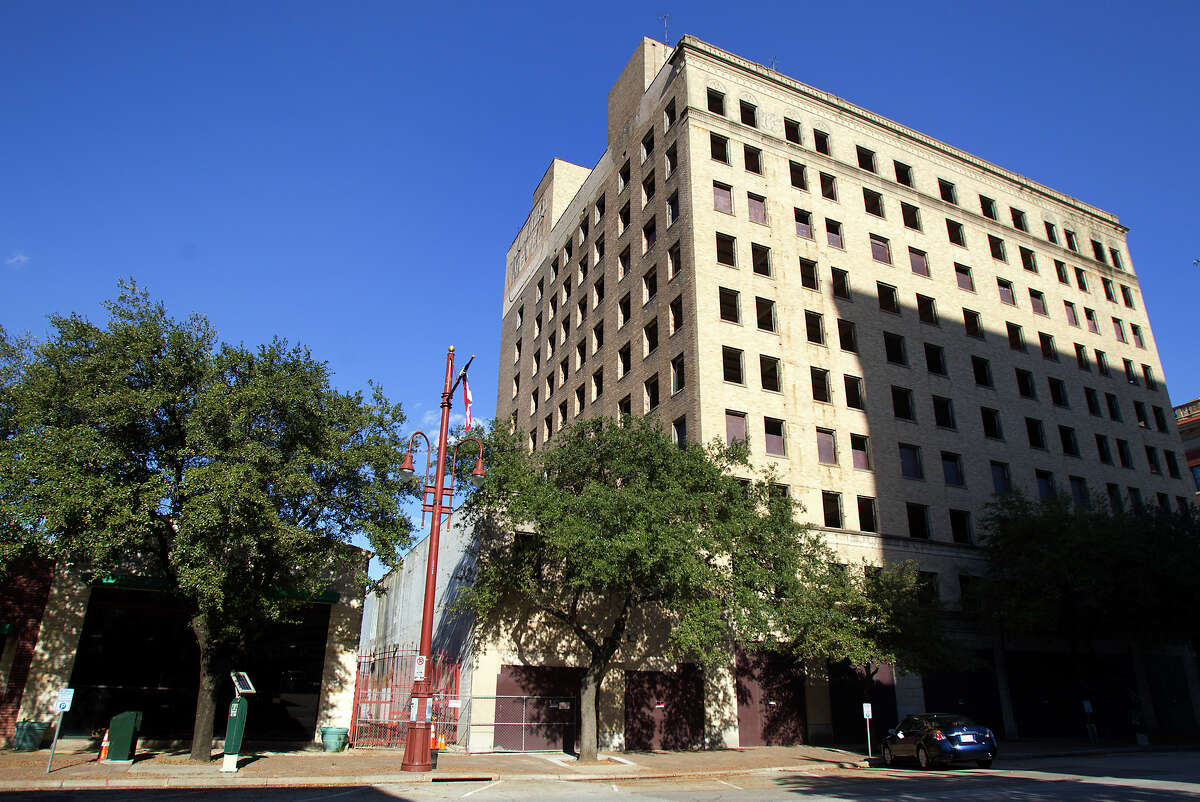 The Ben Milam Hotel was one of several hotels built on the east side of downtown Houston to capture business from Union Station.