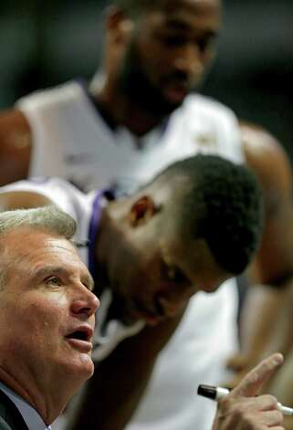 Kansas State coach Bruce Weber talks to his players during a time out in the second half of an NCAA college basketball game against Lamar on Monday, Nov. 12, 2012, in Manhattan, Kan. Kansas State won the game 79-55. (AP Photo/Charlie Riedel) Photo: Charlie Riedel, STF / AP