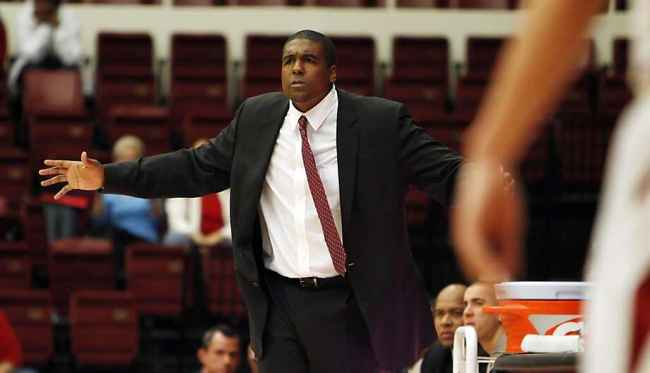 Fullerton's interim head coach, Andy Newman, gestures to his players in the second period. The Stanford men's basketball team played the Fullerton Titans at Maples Pavilion in Stanford, Calif., on Monday, November 12, 2012. Stanford won 81-68 Photo: Carlos Avila Gonzalez, The Chronicle