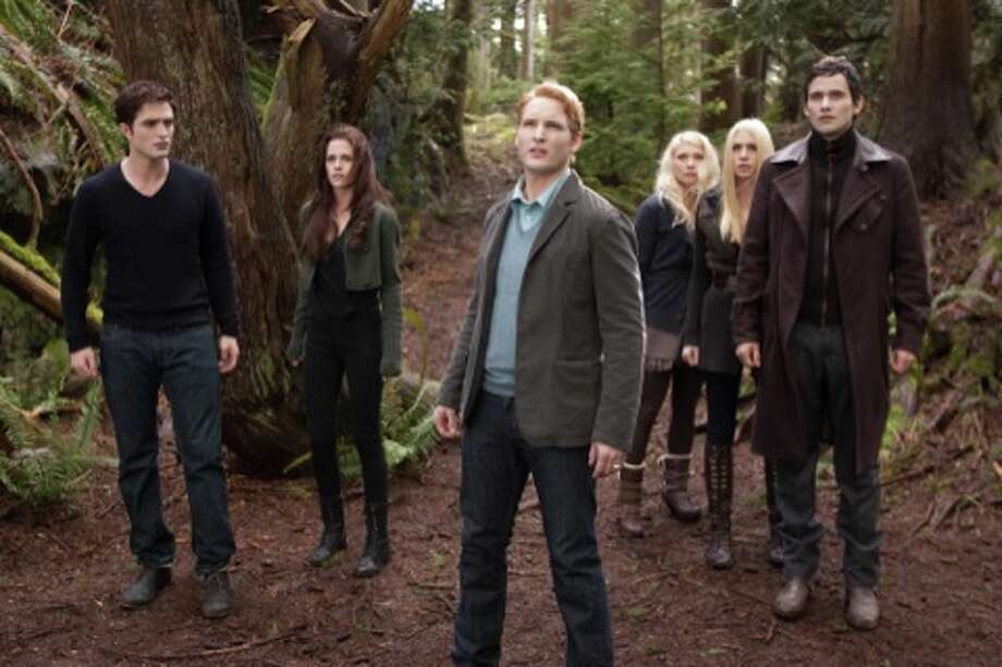 (L-R) ROBERT PATTINSON, KRISTEN STEWART, PETER FACINELLI, MyANNA BURING, CASEY LaBOW and CHRISTIAN CAMARGO star in THE TWILIGHT SAGA: BREAKING DAWN-PART 2Ph: Andrew Cooper, SMPSP© 2011 Summit Entertainment, LLC.  All rights reserved. (© 2011 Summit Entertainment, LLC.  All rights reserved.)