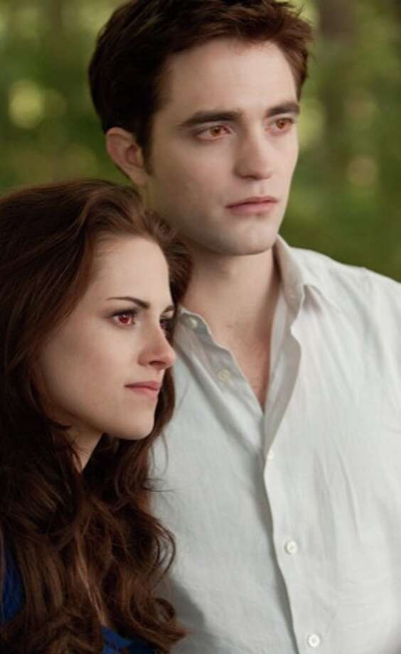 KRISTEN STEWART and ROBERT PATTINSON star in THE TWILIGHT SAGA: BREAKING DAWN-PART 2Ph: Andrew Cooper, SMPSP© 2011 Summit Entertainment, LLC.  All rights reserved. (© 2011 Summit Entertainment, LLC.  All rights reserved.)