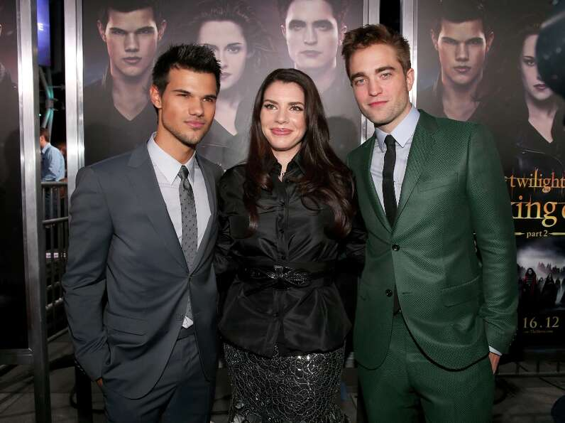 (L-R) Actors Taylor Lautner, Kristen Stewart, author Stephenie Meyer, and actor Robert Pattinson arr
