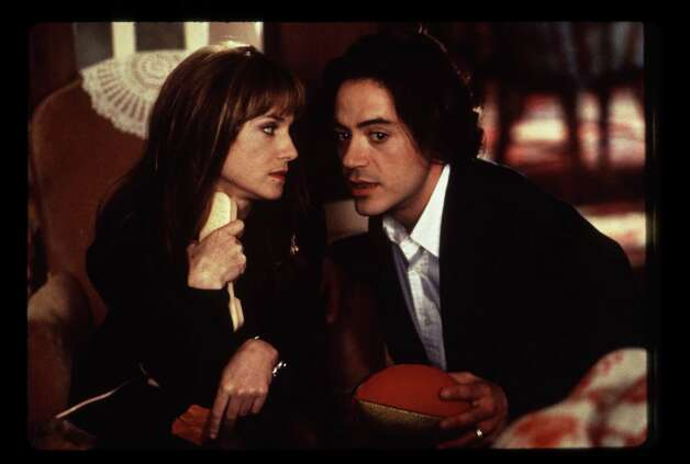 Home for the Holidays - Holly Hunter, Robert Downey Jr. Photo: Bob Marshak, Paramount Pictures / handout slide