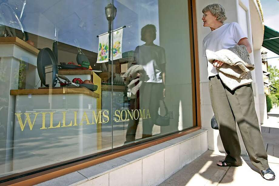 Kay Marshall looks at a window display in a Williams-Sonoma store in Orem, Utah, U.S., on Tuesday, June 2, 2009. Williams-Sonoma Inc., owner of the Pottery Barn chain, posted an adjusted first-quarter loss of 14 cents a share, and said it sees an adjustedsecond-quarter loss of 8 cents to 14 cents a share. Photographer: George Frey/Bloomberg News Photo: George Frey, Bloomberg News