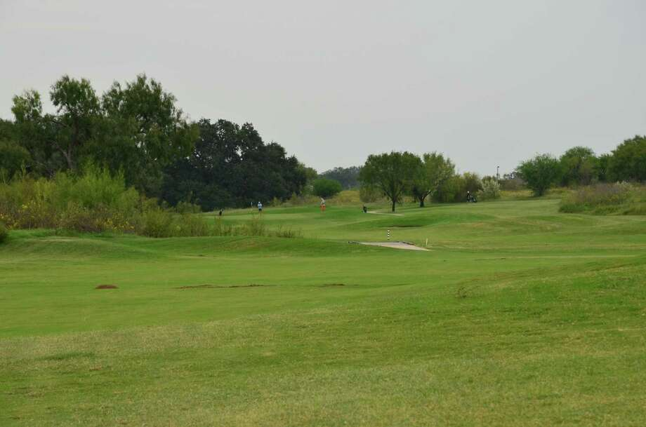 The fairway rolls a bit on No. 15 at River Bend Golf Club. Photo: LeAnna Kosub, Express-News