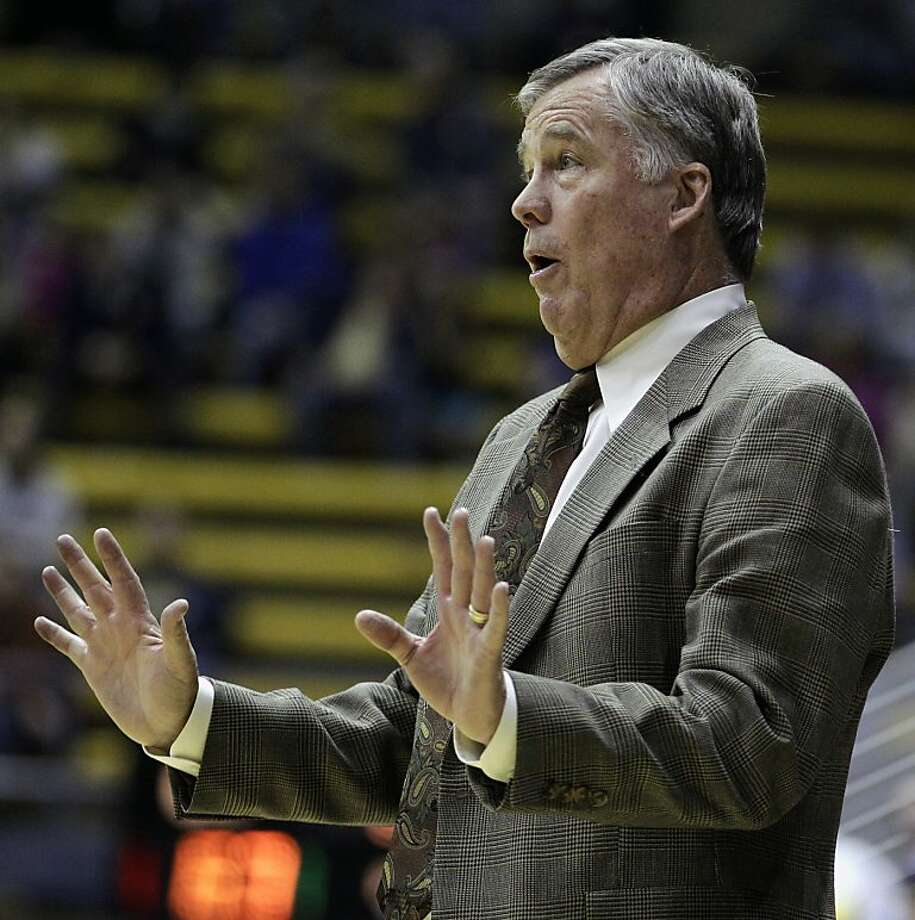 California coach Mike Montgomery gestures from the sideline during the second half of an NCAA college basketball game against Pepperdine on Tuesday, Nov. 13, 2012, in Berkeley, Calif. (AP Photo/Ben Margot) Photo: Ben Margot, Associated Press