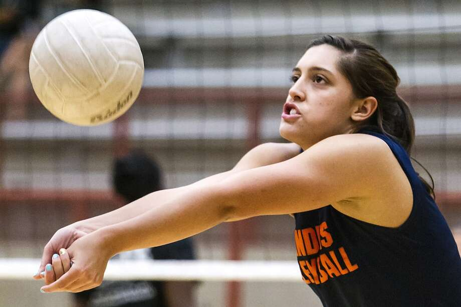 Alex Parker, Brandeis: Adams State (Colo.) — signing FridayBrandeis senior Alex Parker sets a ball during a scrimmage session at the O'Connor gym on Aug.10, 2012.  Photo by Marvin Pfeiffer / Prime Time Newspapers (Marvin Pfeiffer / Prime Time New)