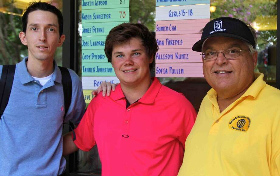 Kasen Schneider, Churchill: Sam Houston StateGolfer Kasen Schneider (center) (COURTESY PHOTO)