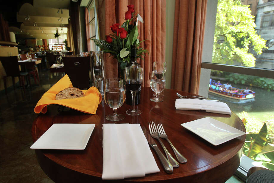 Biga on the Banks, 203 S. St. Mary's St., Suite 100, 210-225-0722, is offering an a la carte menu in addition to a three-course special, $60; $85 with wine pairings. Photo: John Davenport, Express-News/File Photo / San Antonio Express-News