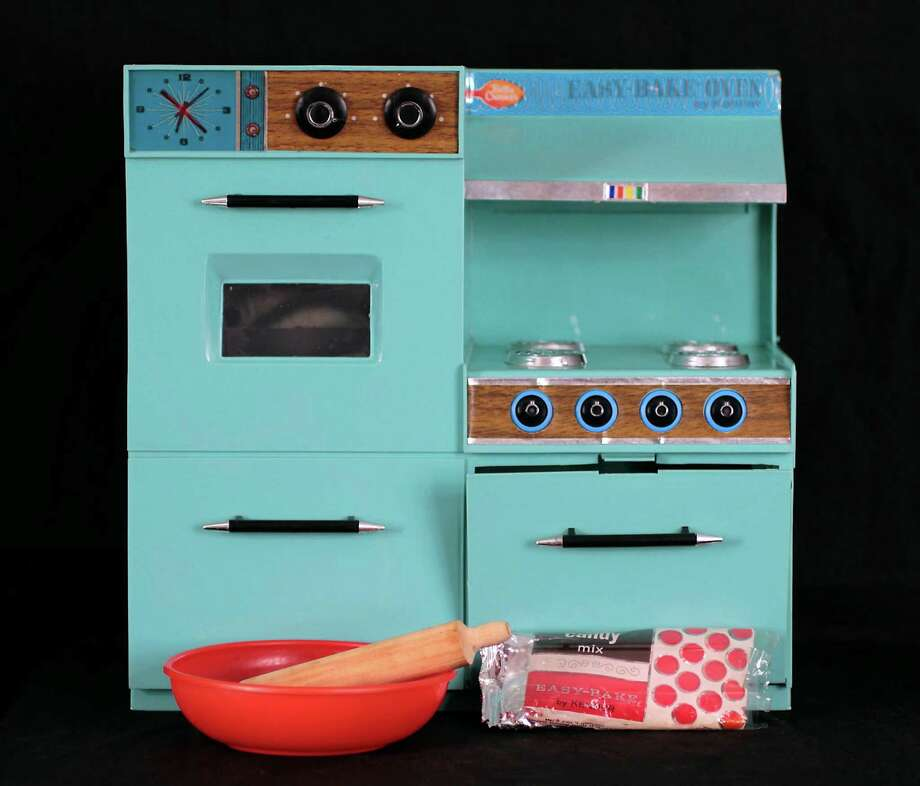 Easy Bake Oven (Courtesy Albany Institute of History and Art)