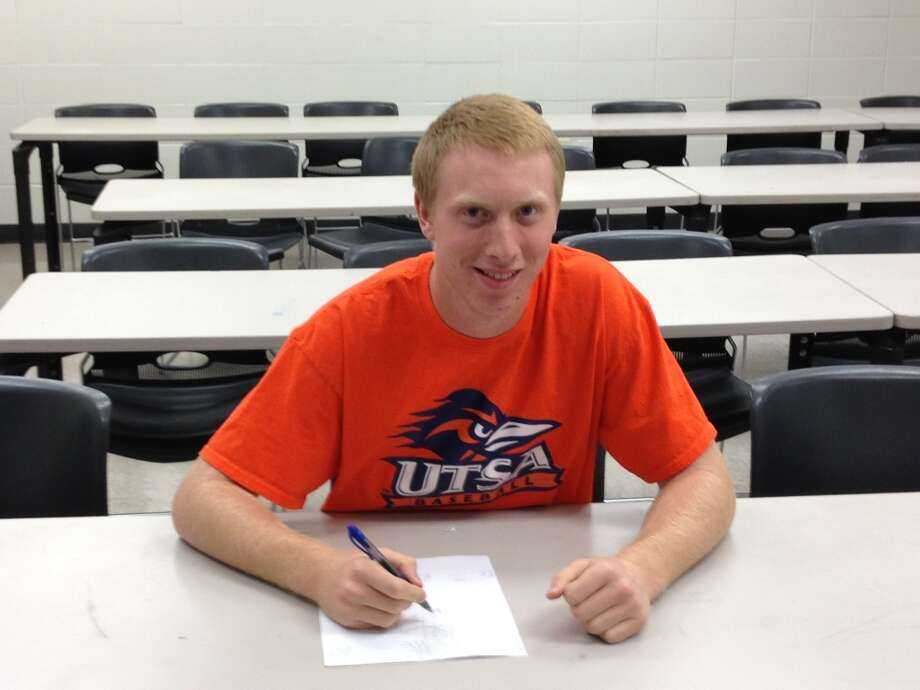 CJ Pickering (Infield/Pitcher) for Houston Westside signed his Letter of Intent to play baseball for UTSA Roadrunners (Courtesy of Westside Athletic Department)