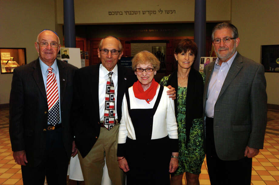 Honorees David Present (from left) and Arnold  Vogel join event chairwoman Deanie Vogel and honorees Sammi and Dr. Ed  Raez during the Veterans Day Shabbat at Congregation Agudas Achim.