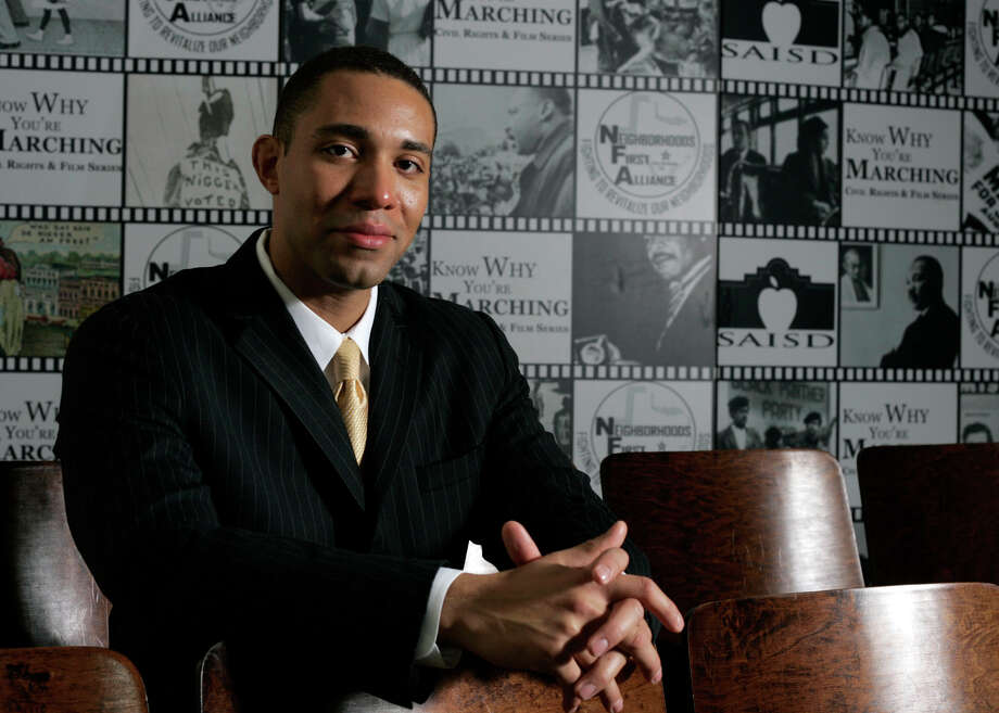 Tommy Calvert Jr. put his public relations firm on hold as he took on the cause of bringing a radio station to life for the community. Photo: File Photo, San Antonio Express-News / Alicia Wagner Calzada